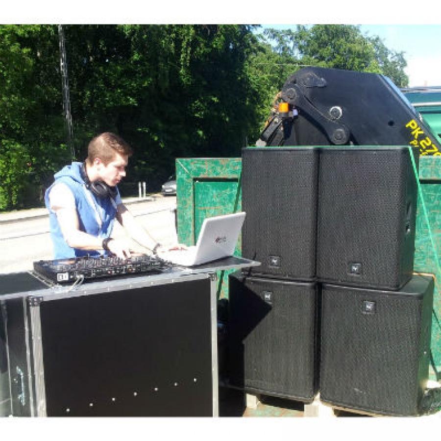 DJ på flaket  24084598a7a00